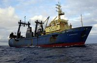 Russian-factory-trawler-fishin